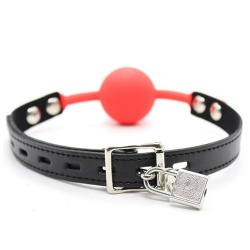 The Hush Afsluitbare Siliconen ball gag - Rood - mae-sm-182red-l
