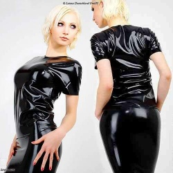 Langes Latex T Shirt - la-1187