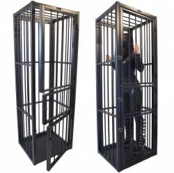 Hoge stalen kooi met 3 deuren - dgs-ks1